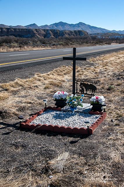 Fallen Crosses3_4202